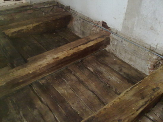 likvidace dřevokazných škůdců v trámu
