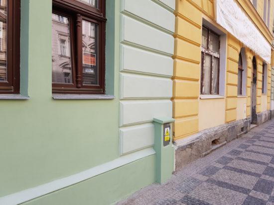 bytový dům po opravě fasády